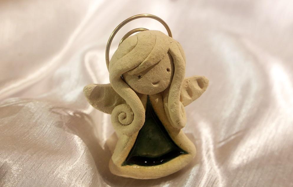 Ангелочек из глины