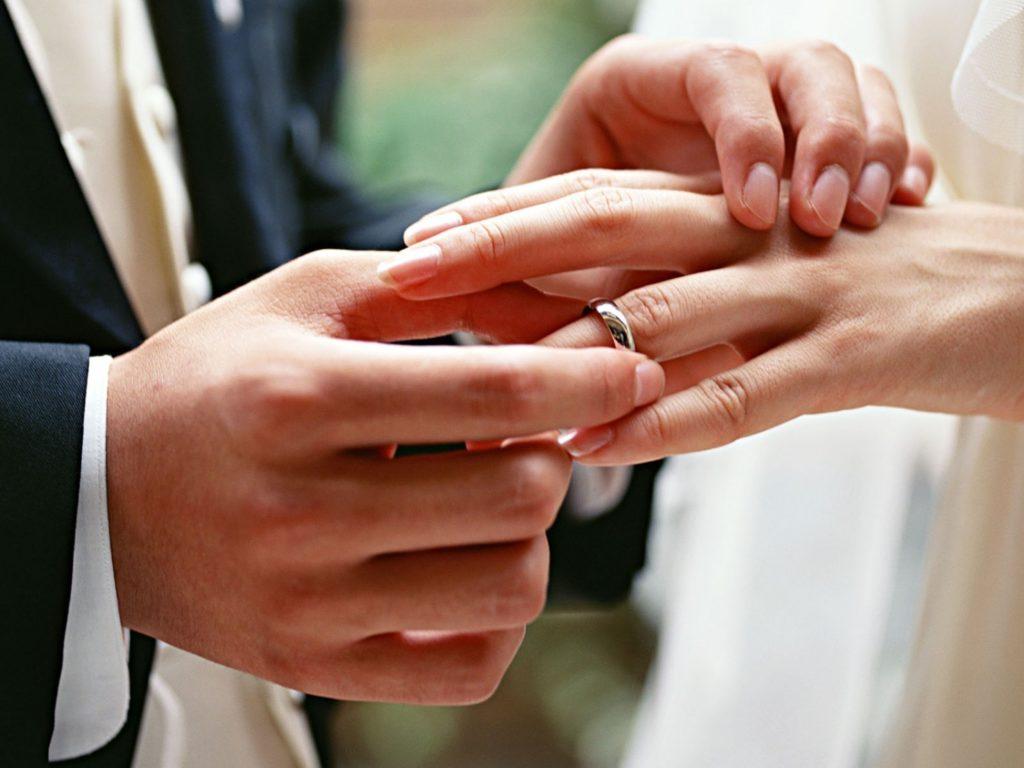 Уронила обручальное кольцо до свадьбы