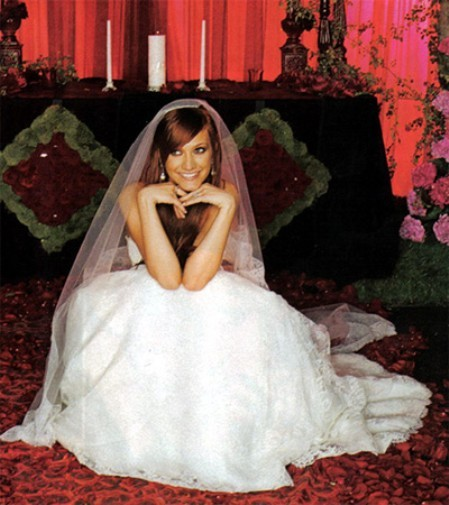 Свадебное платье Эшли Симпсон от  Моник Лулье